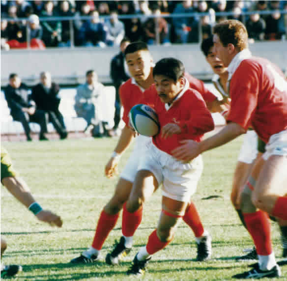 The Kobe Steel Rugby Club, which achieved its seventh consecutive all-Japan championship title in 1995
